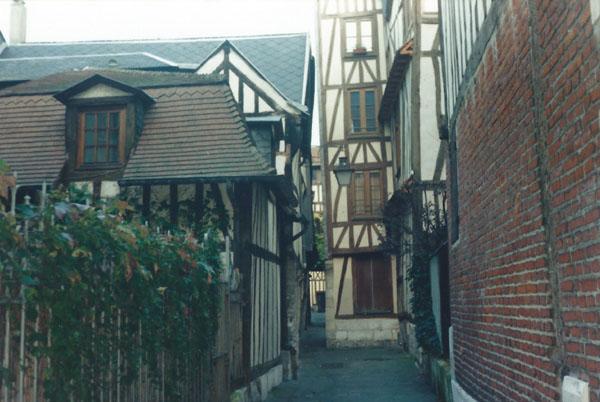 3 Rouen