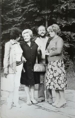 ostatnie-wspolne-zdjecie-od lewej Irka-mama Nina-ja-Mirka