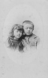 1_Stanislaw_Hrebnicki_z_siostra_Maria_okolo_1895