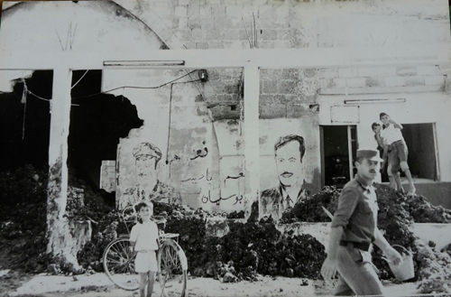 Podobizny Prezydenta Syrii, Hafiza al - Asada sa w miescie wszechobecne.