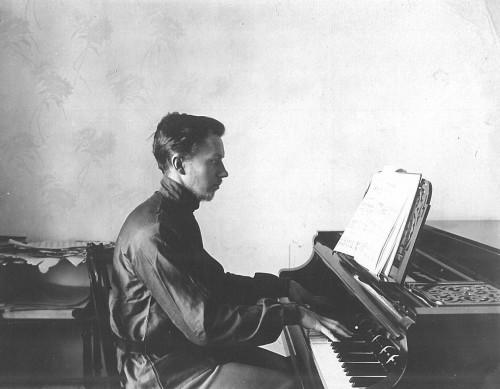1._Stanislaw_Hrebnicki_w_Petersburgu_ok_1912