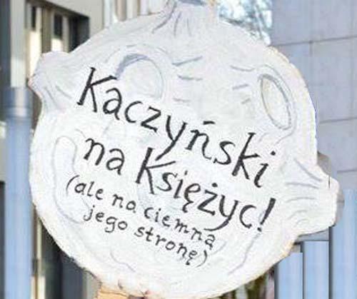 kaczynskiMoon