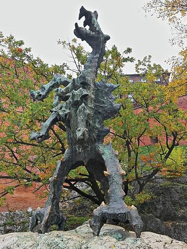 Ein Denkmal erinnert an den Krakauer Drachen, fot. © Arkadiusz Łuba