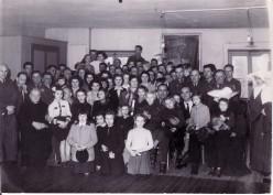 Polscy wartowinicy w odwiedzinych w sierot w Domu Å w. Kazimierza w Paryżu, w którym ostatnie swoje dni spÄ dzaÅ Cyprian Kamil Norwid.