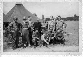 Polscy wartownicy przez na poligonie (Francja)